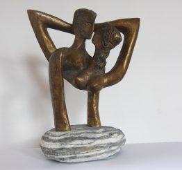 Целувка-скулптура, бронз, Арт галерия в София
